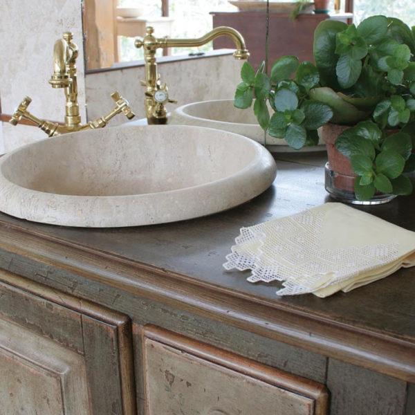 "Wood and travertine bathroom cabinet ""Fiesole"""