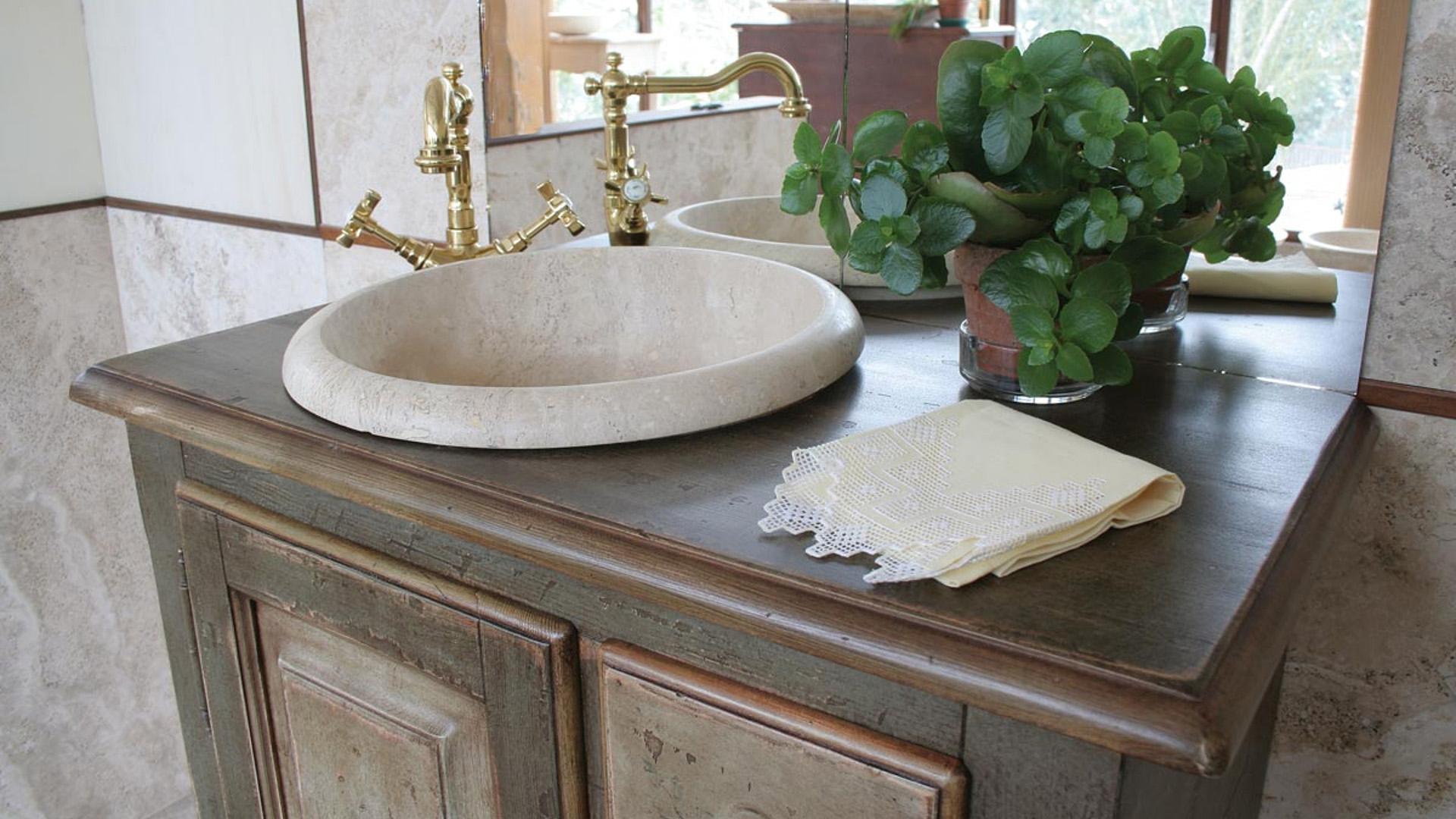 """Waschtisch """"Fiesole"""" aus Holz und Travertin   Pietre di Rapolano"""