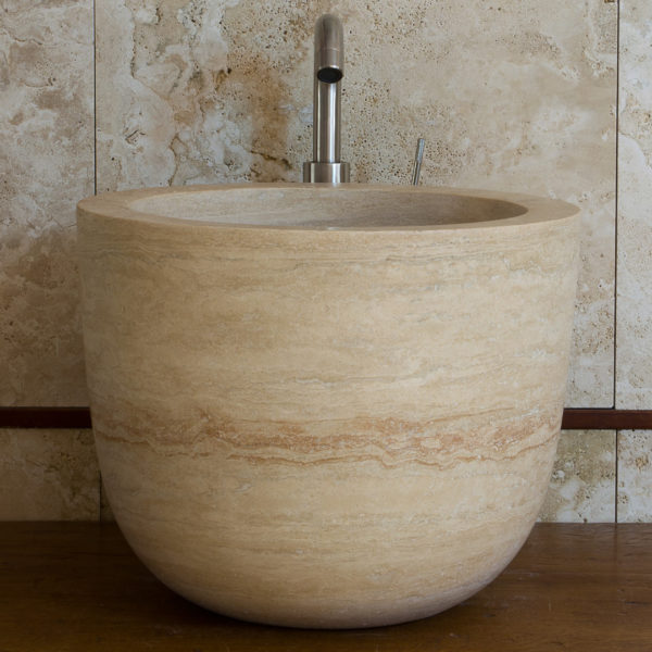 "Lavabo alto in travertino ""Hammam"""