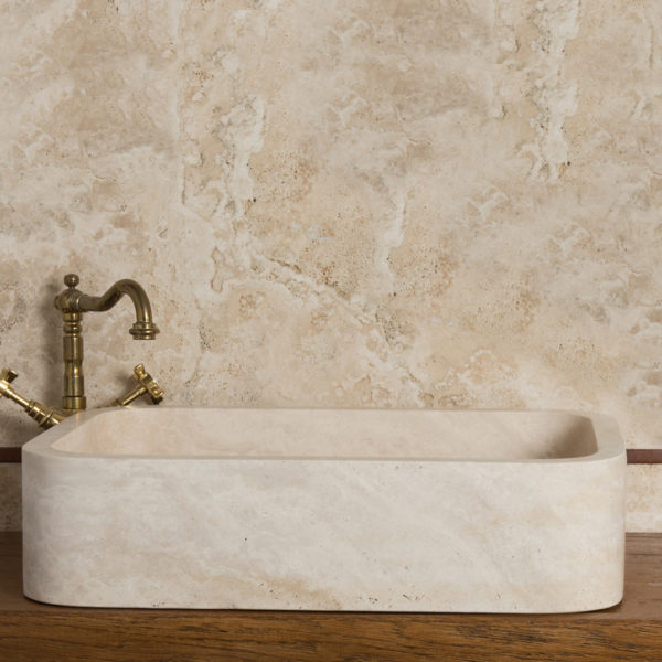 "Lavabo stondato in travertino ""Farm B CH"""