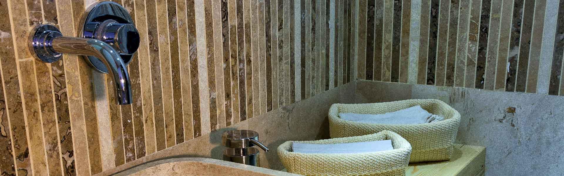 Mosaici in pietra per bagno
