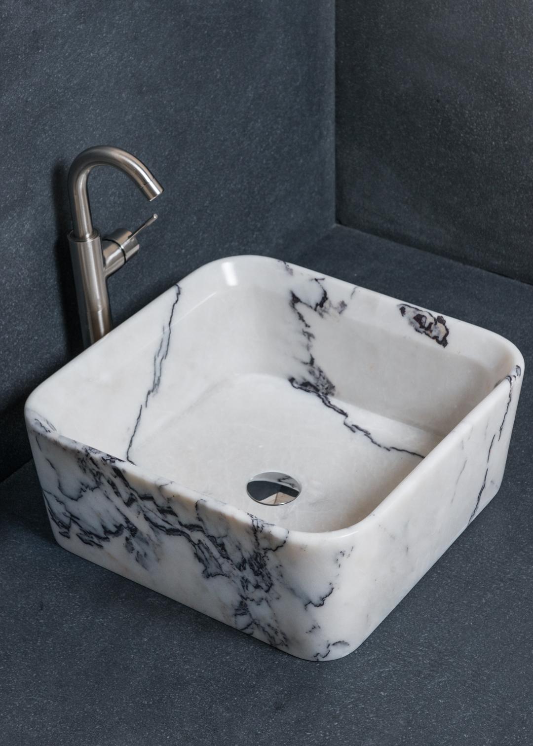 quadratisches waschbecken aus marmor square lilac pietre di rapolano. Black Bedroom Furniture Sets. Home Design Ideas