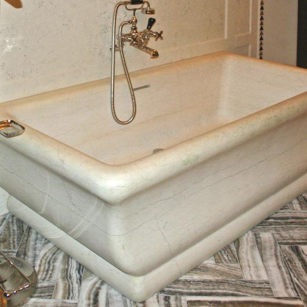 """Marble bathtub """"Regal"""""""