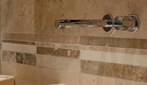 Bagni in pietra e mosaico duylinh for - Mosaici per doccia ...