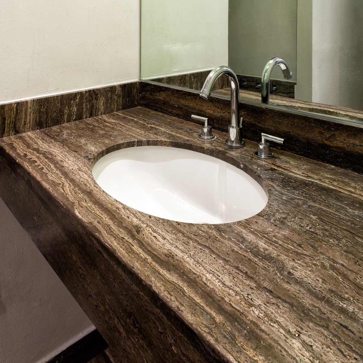 Bagno in travertino nero pietre di rapolano - Pietre per bagno ...