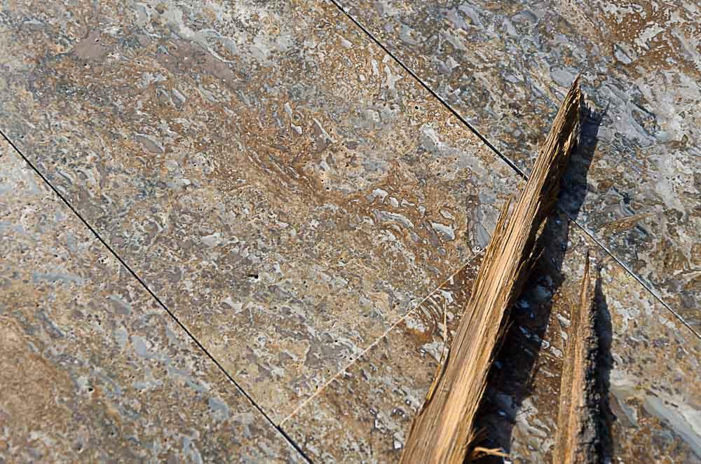 ... in travertino, marmo e pietra di Rapolano  Pietre di Rapolano