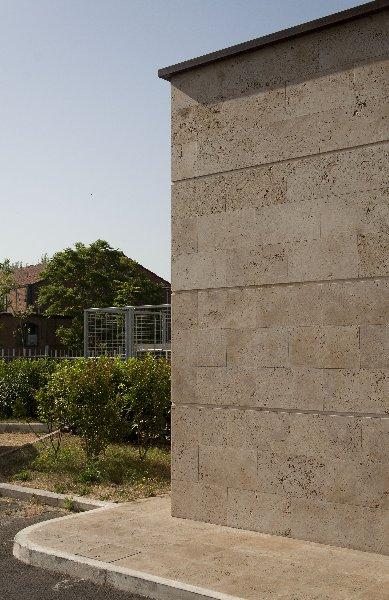 Facciata in Pietra di Rapolano, colore Becagli