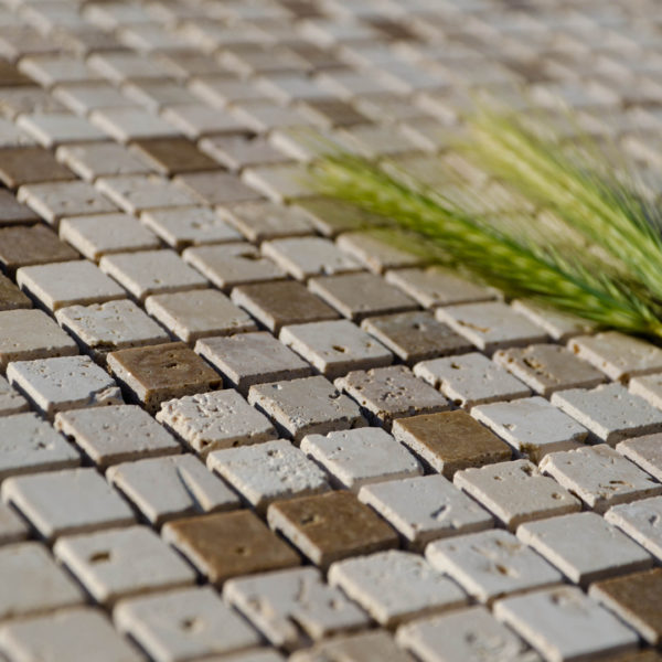 "Mosaik aus Travertin ""1,5x1,5 Tuscany Mix"" geschliffen"