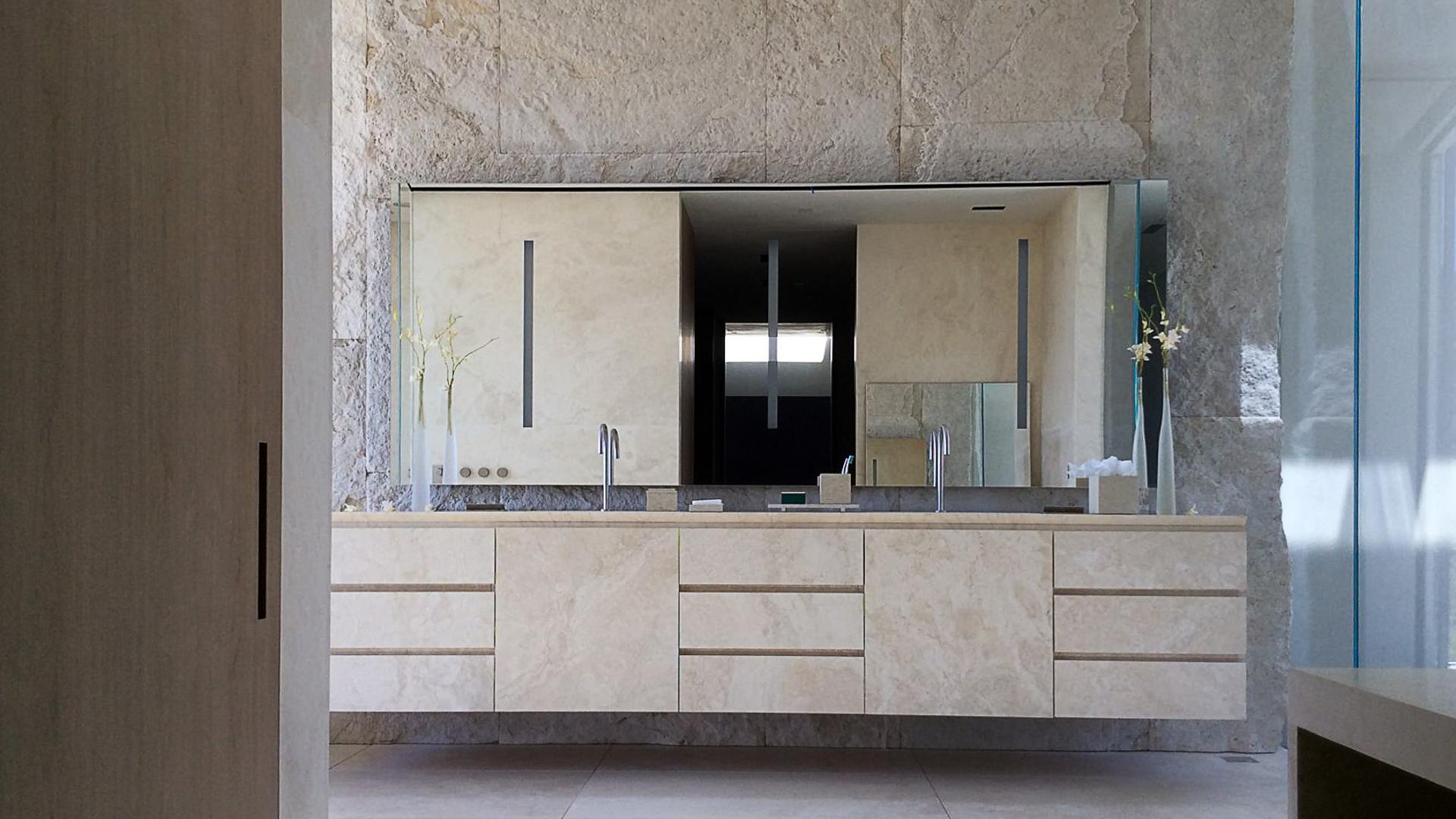 Picture of Michael Bay's Villa in Bel Air by Pietre di Rapolano