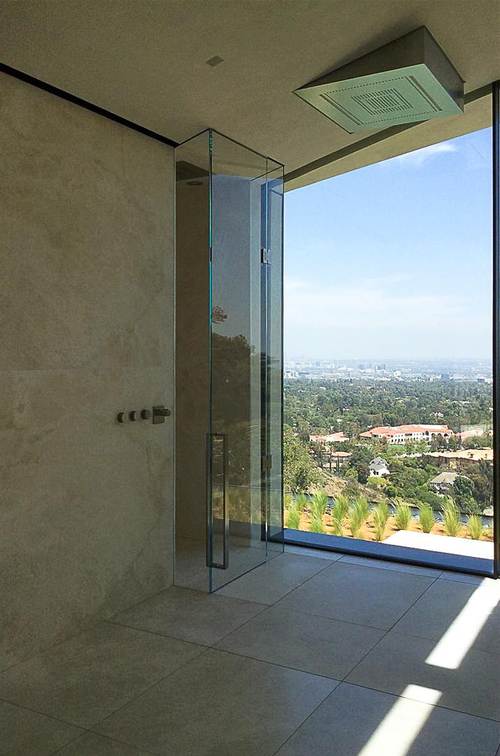 Vista del panorama di Bel Air - dettaglio della doccia