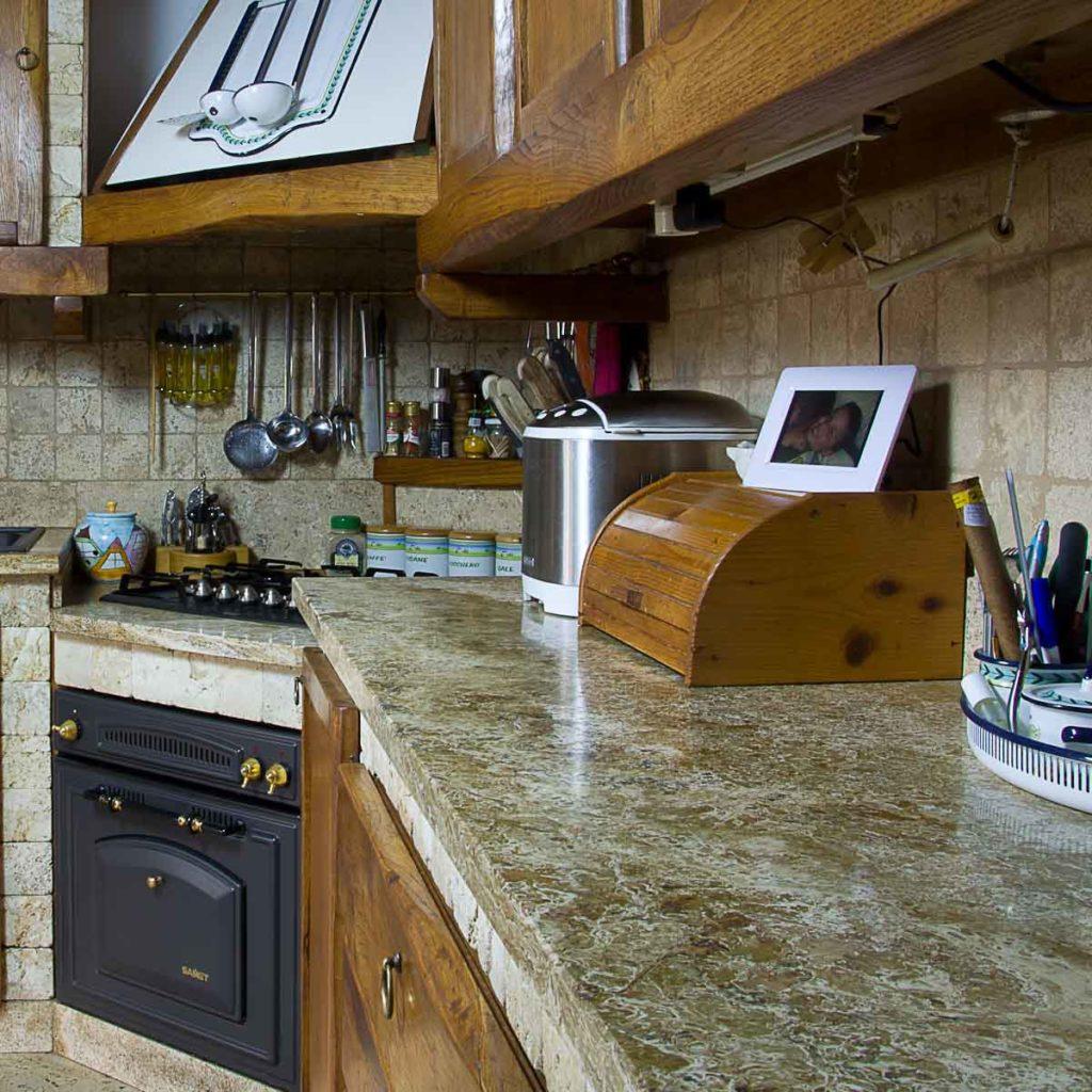 Piano in pietra da cucina in travertino