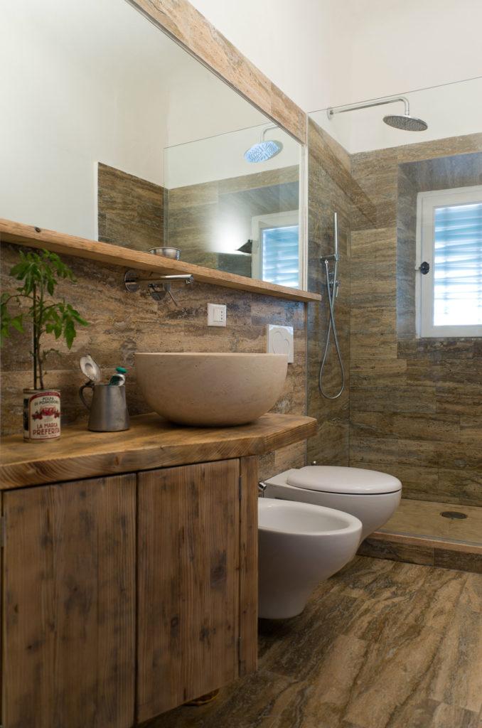 Rivestimento bagno in travertino Elm Stone
