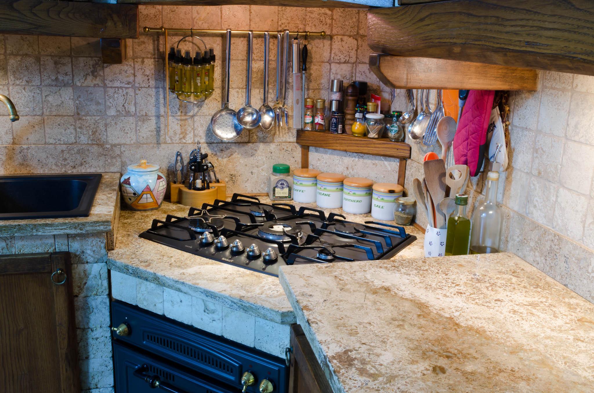 Piano Cucina In Marmo Travertino.Piani Cucina In Marmo E Travertino Pietre Di Rapolano