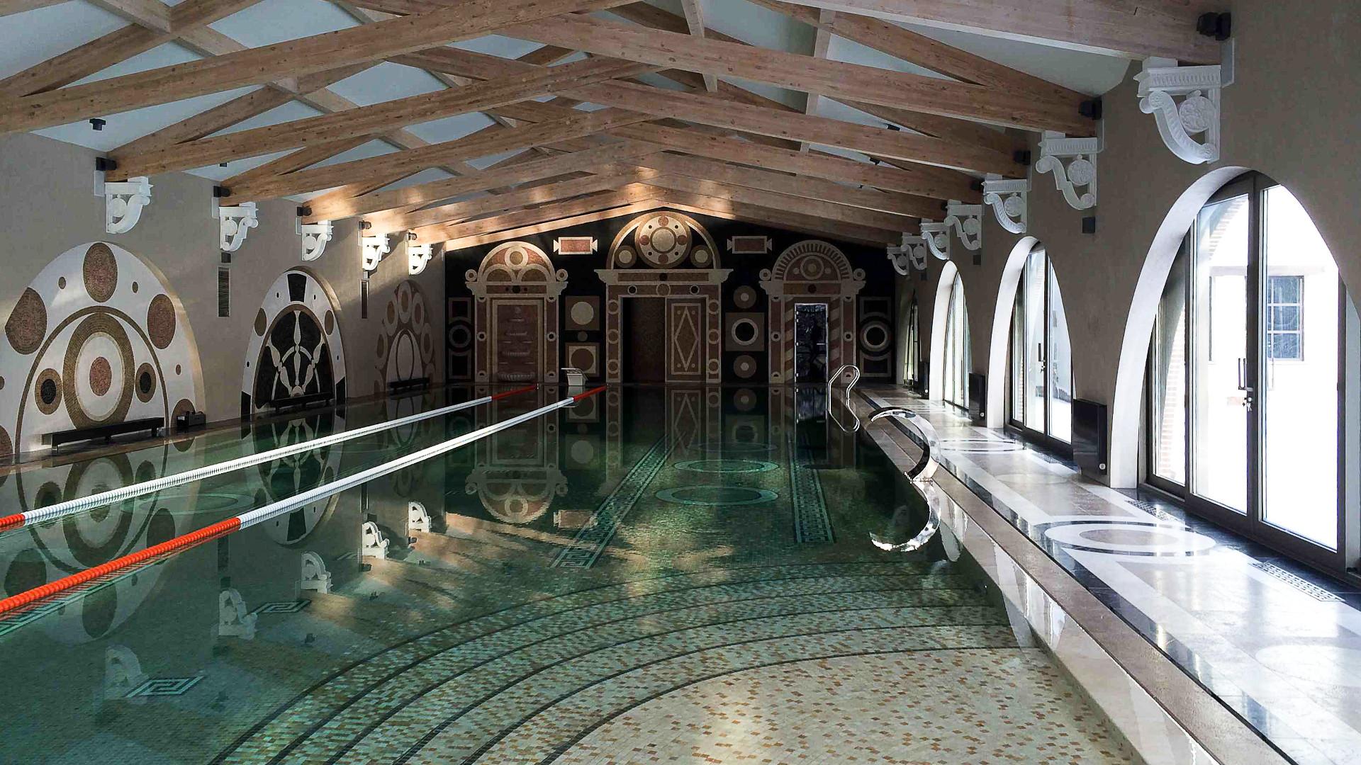 Foto von Anwesen mit Hallenbad und Hammam in Russland von Pietre di Rapolano