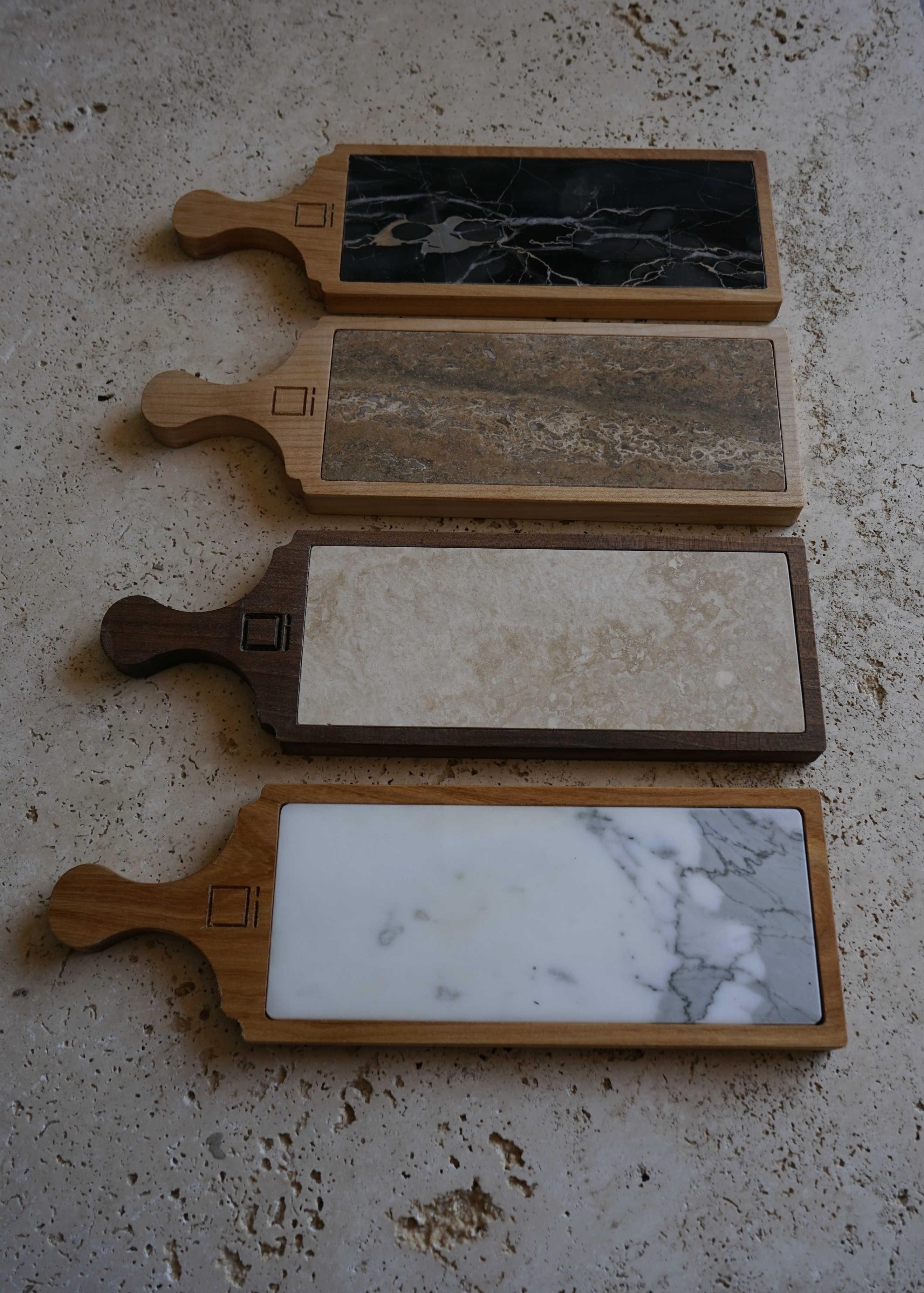 Taglieri in travertino e legno