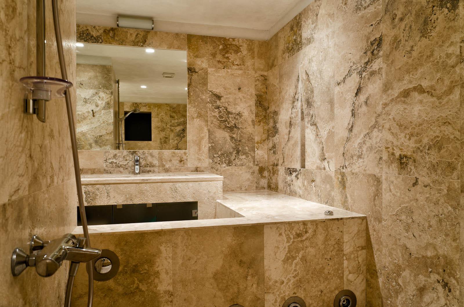 Il bagno come una spa naturale e attento al benessere pietre di