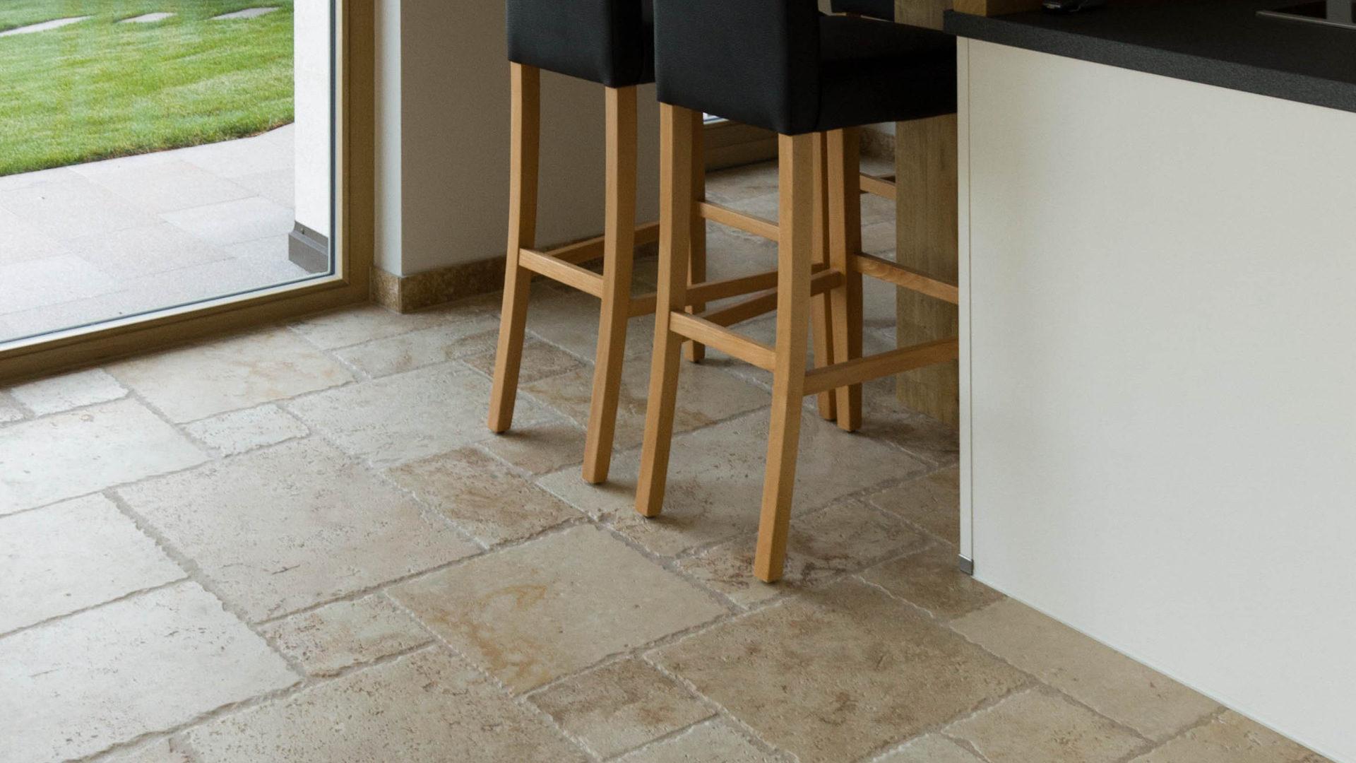 Pavimenti per soggiorno piastrelle per il soggiorno cose di casa pavimenti in resina pro e - Pavimenti in cemento per interni pro e contro ...