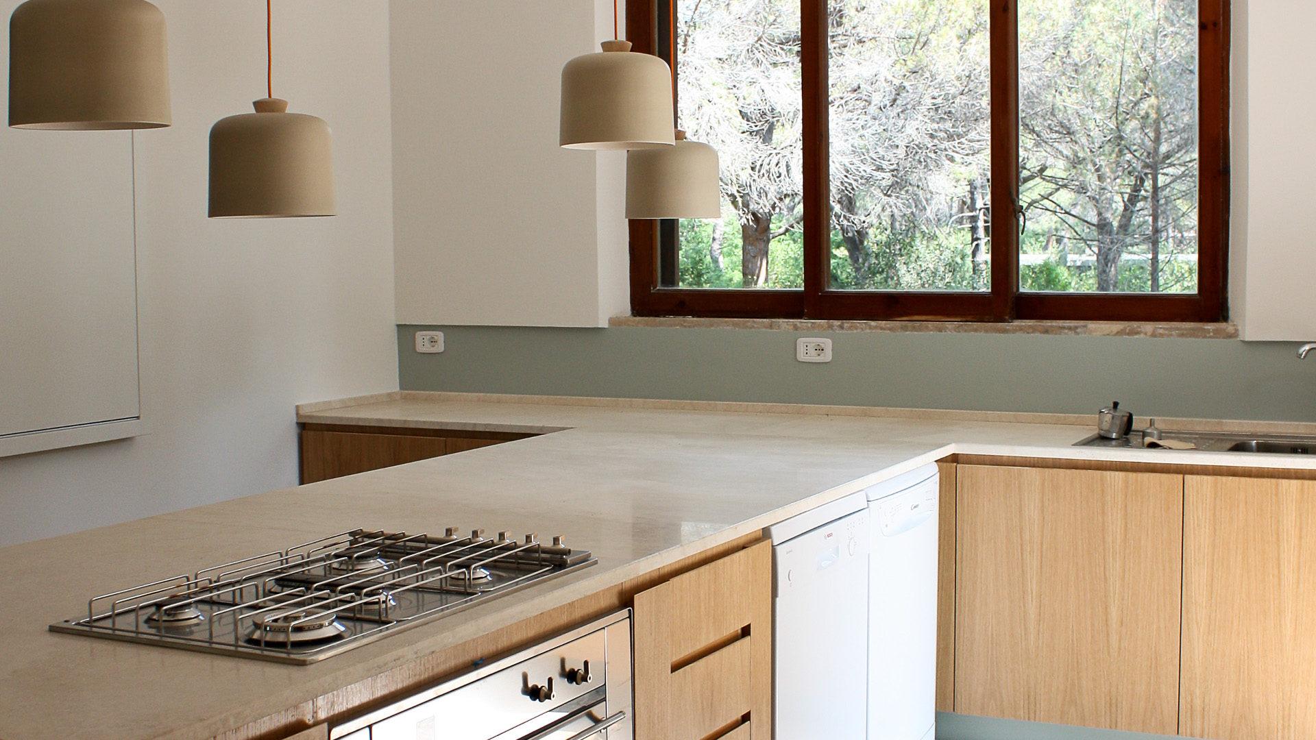 Piani cucina in marmo e travertino pietre di rapolano - Piani di cucina ...