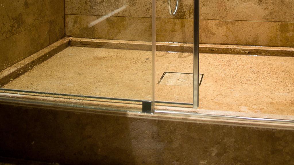 Piatti Piatto doccia in travertino - Pietre di Rapolano
