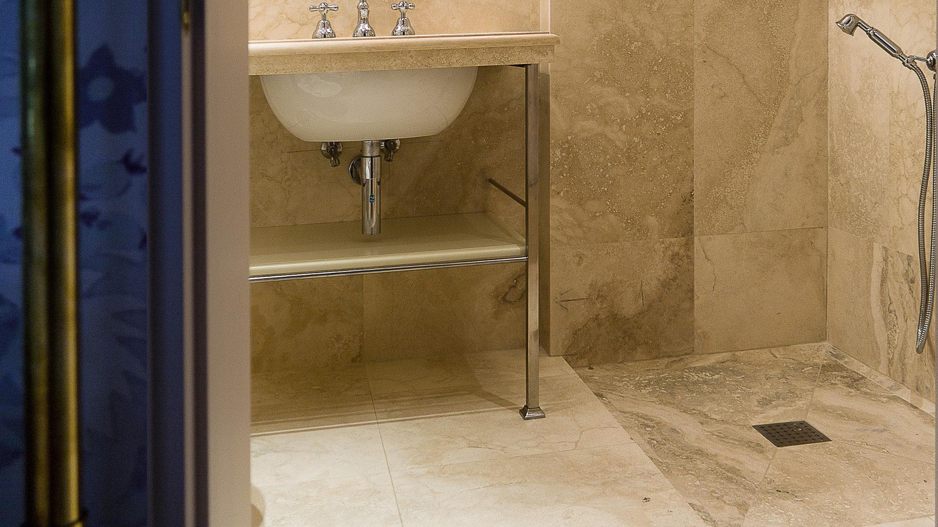 Bagni Con Doccia Senza Piatto : Piatti doccia in pietra naturale pietre di rapolano