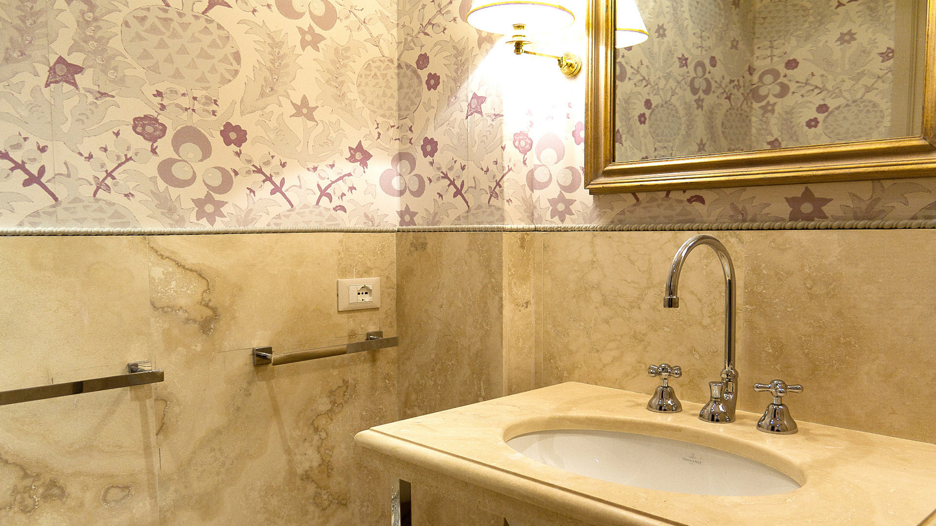Travertine bathroom wall tiles – Pietre di Rapolano, Florence (Tuscany)