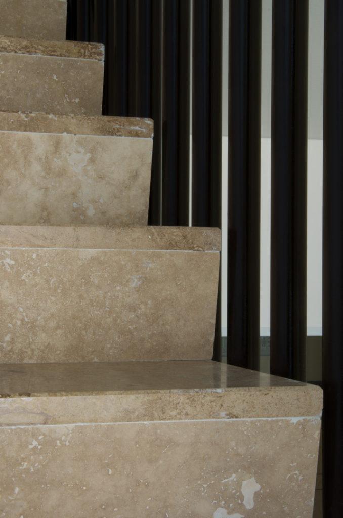 Scale soggiorno travertino pietre di rapolano