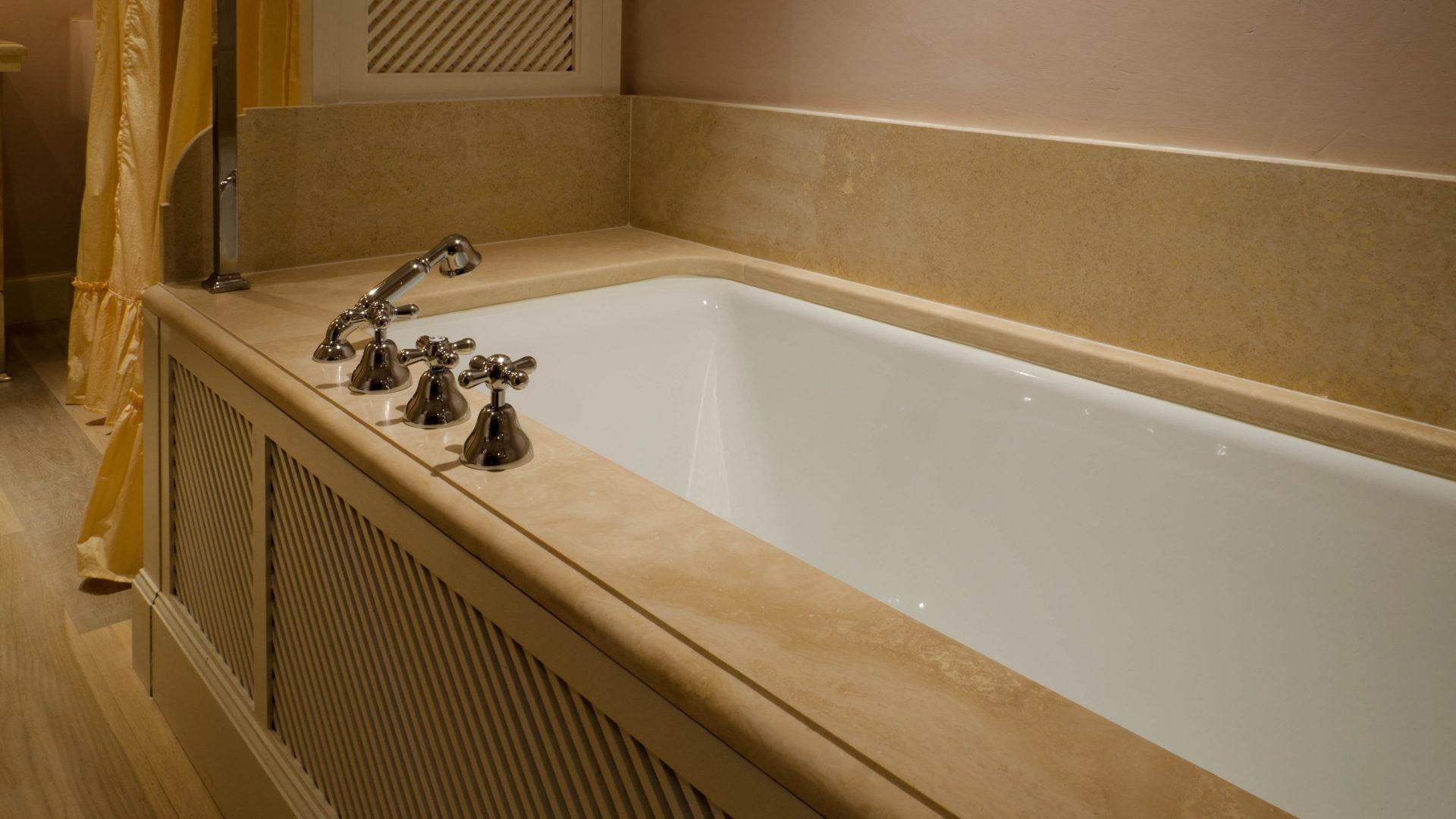 Vasca da bagno in pietra naturale prezzi elegante bagni in pietra naturale vasca da bagno le - Piatto doccia triangolare ...