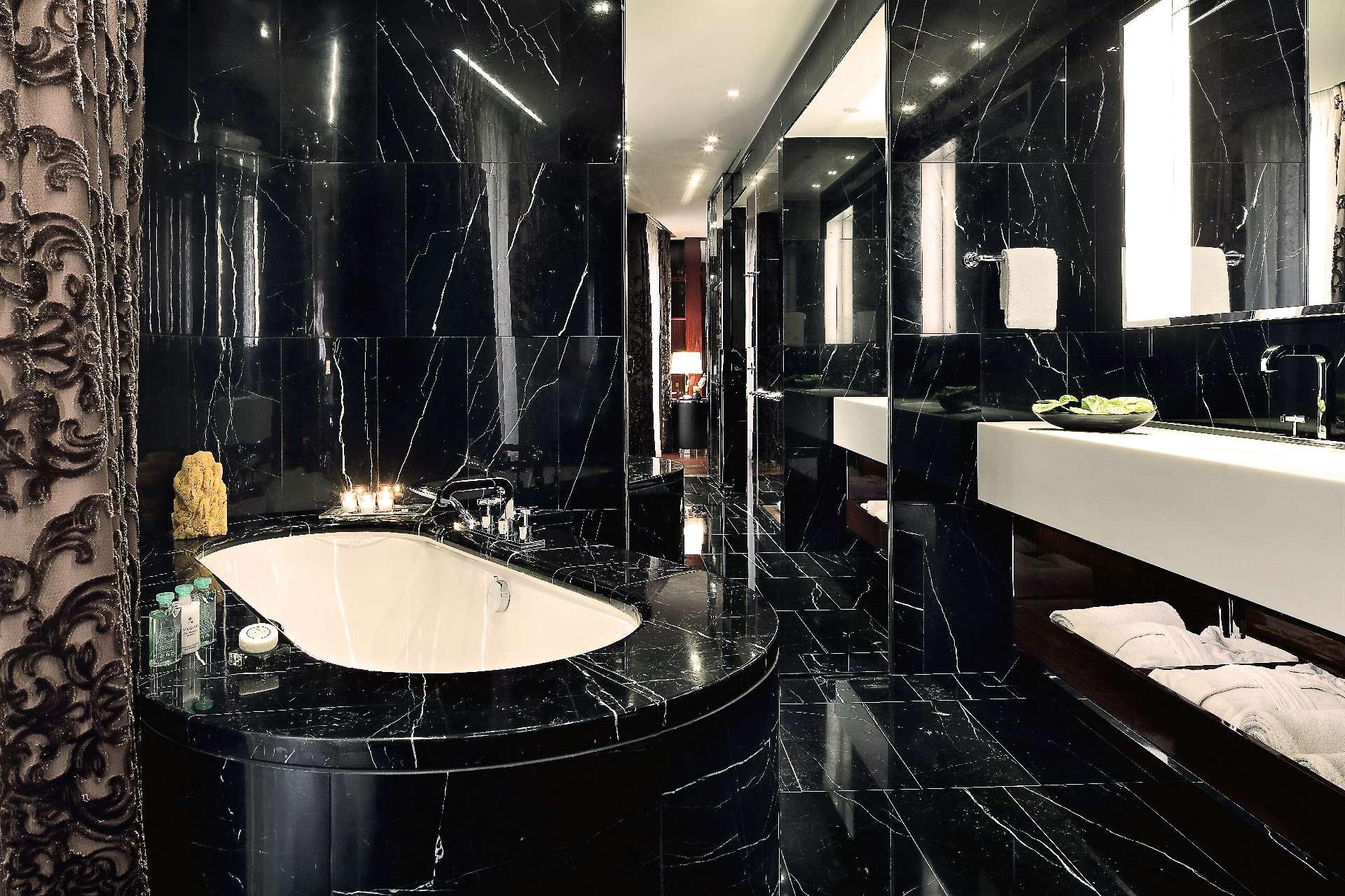 Bagno marmo nero
