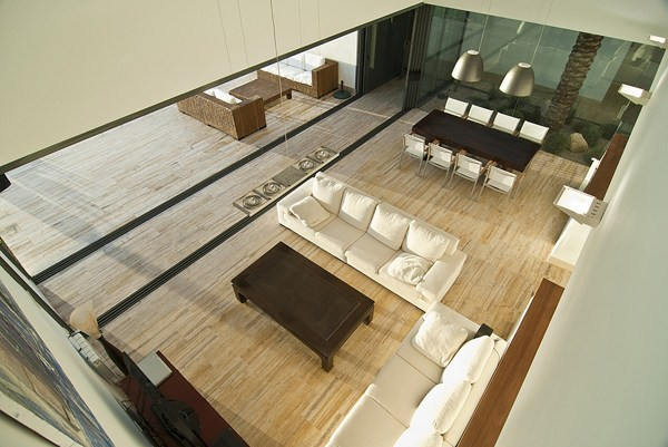 Aa house almeria con rivestimenti in travertino travertine floors