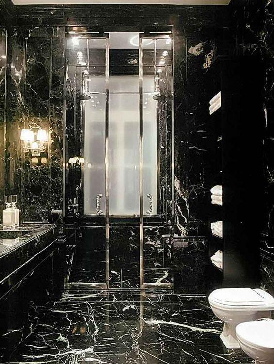 Marmo nero in bagno