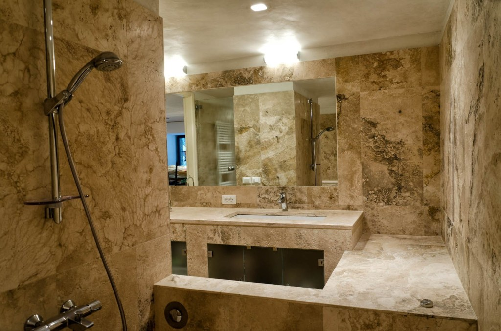 Travertino bagno