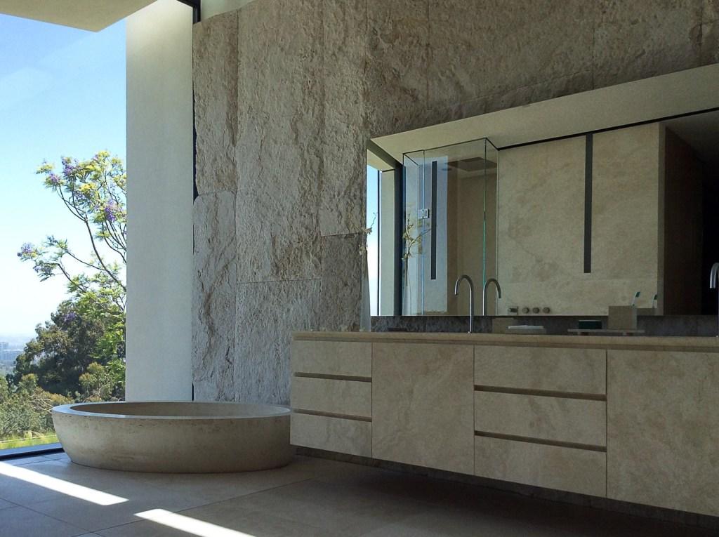Lorraine letendre bagno bathroom travertine los angeles villa