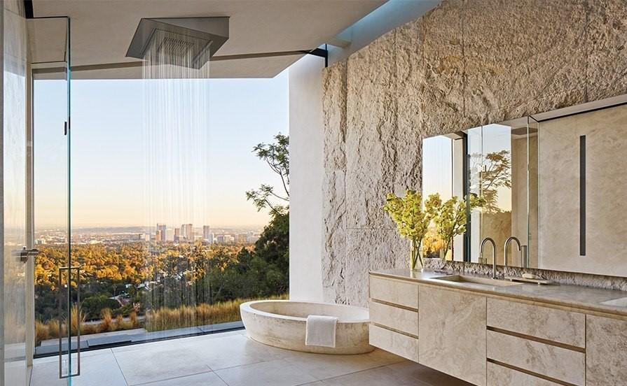 Michael bay los angeles villa suite bathroom bagno travertine pietra di rapolano