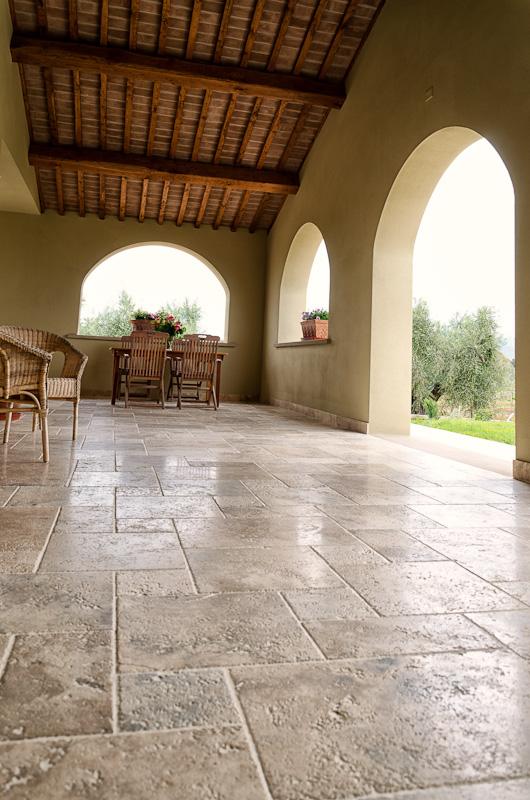 Bolgheri pavimento in pietra di rapolano