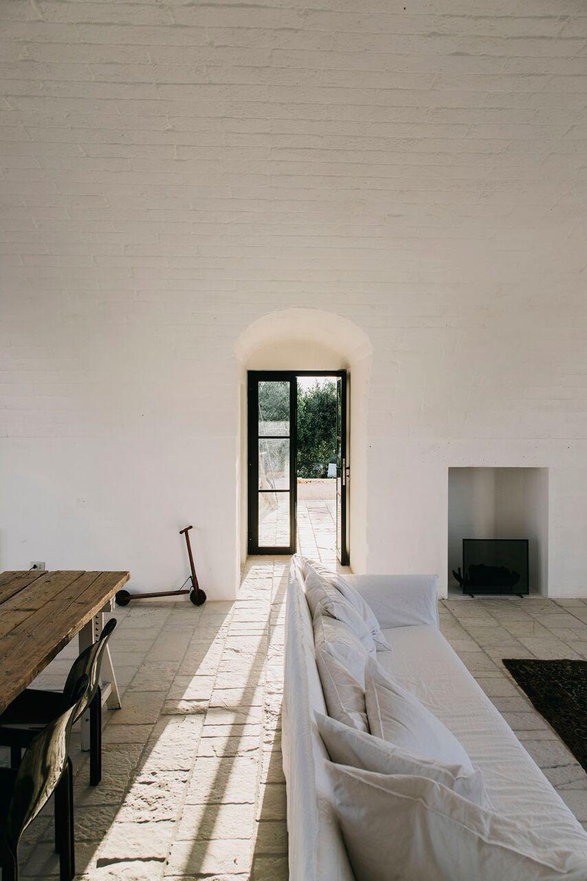 Interni masseria moroseta andrew trotter ostuni puglia pavimenti pareti pietra