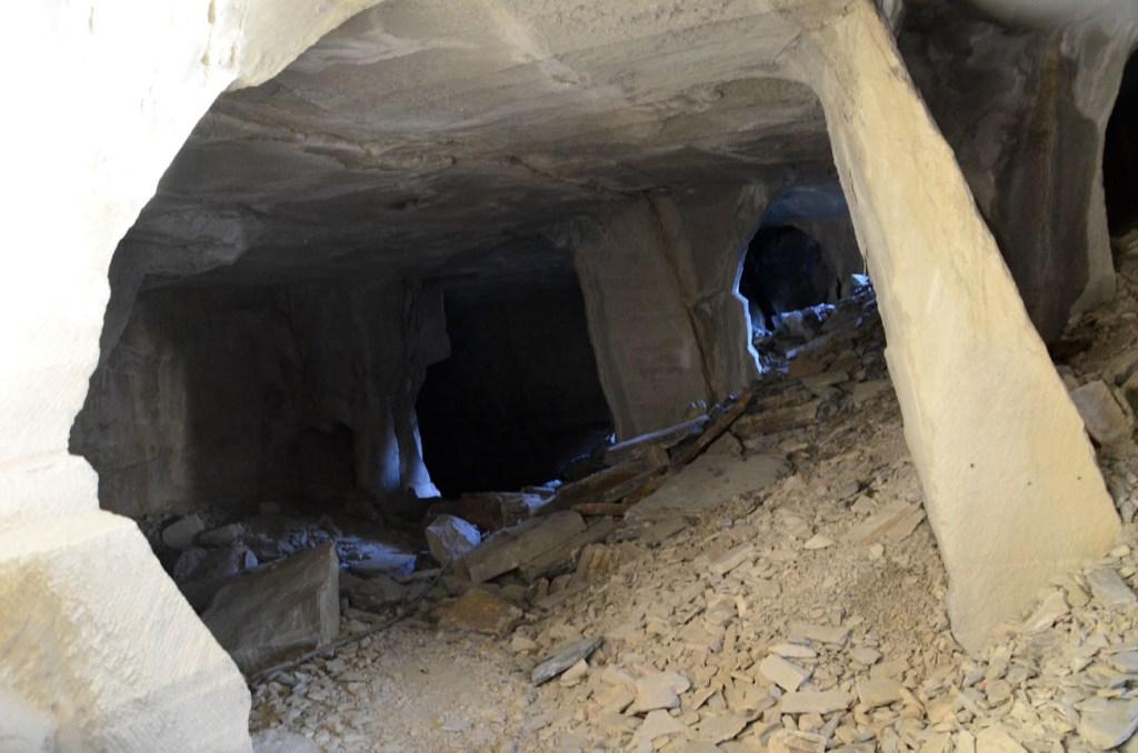Cave pietra serena