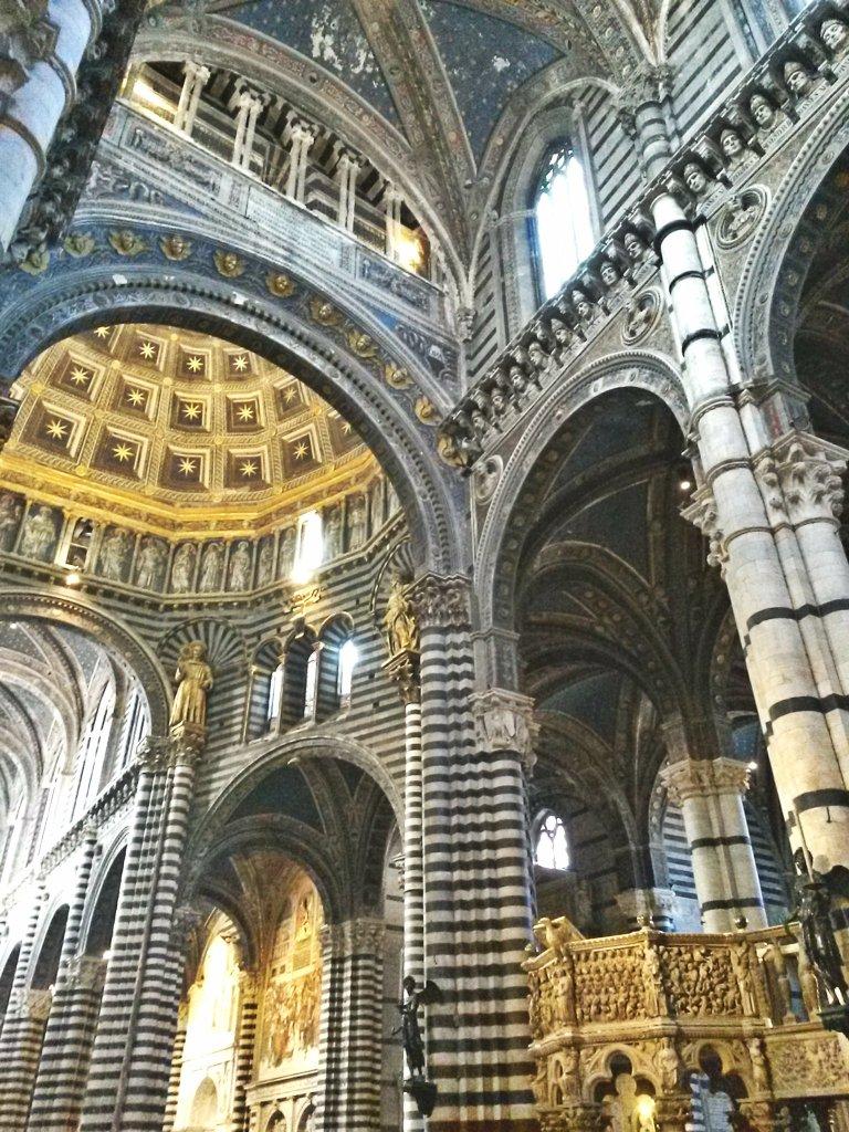 Pietre di rapolano duomo siena dome church marble cattedrale interno navata chiesa romanico
